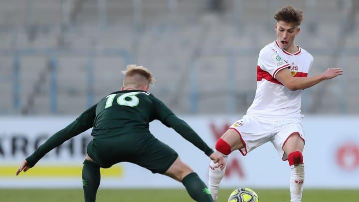 Damals noch im VfB-Outfit: Nick Bätzner (r.) in Stuttgarts U19