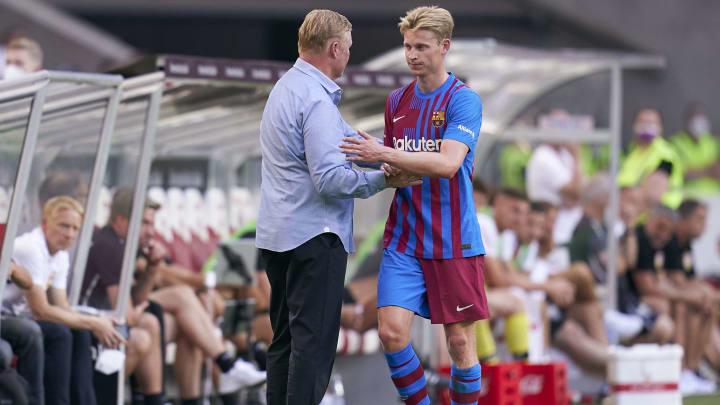 Frenkie de Jong has questioned what sacking Ronald Koeman would achieve
