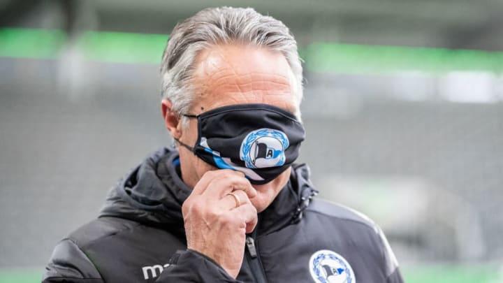Uwe Neuhaus nimmt die Maskenpflicht sehr genau