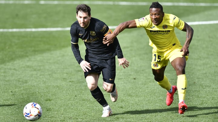 O Barcelona visitou e venceu o Villarreal por 2 a 1, no El Madrigal, pela LaLiga.