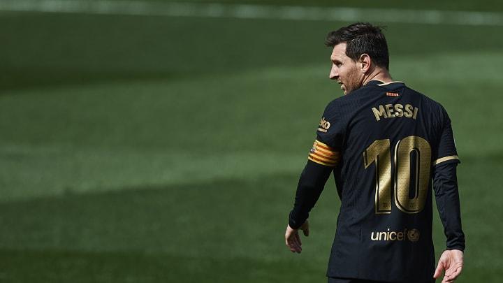 Adeus? PSG prepara uma proposta financeiramente insuperável para contratar Messi, com vínculo de até três anos.