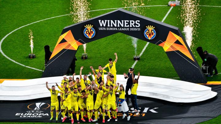 Villarreal soulève la première Ligue Europa de son histoire, n'en déplaise aux supporters monégasques.