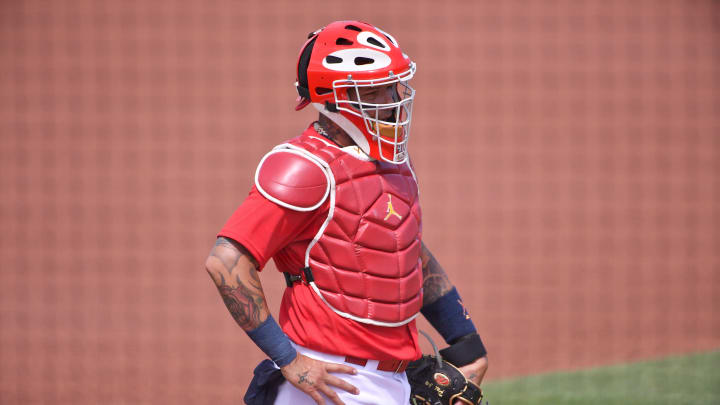 Yadier Molina Dares Baserunner to Steal, Throws Him out