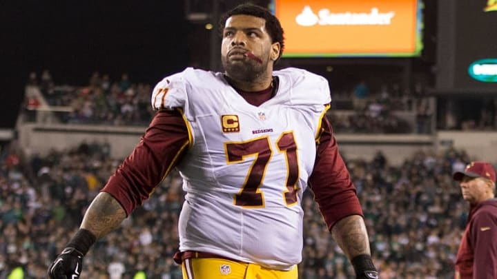 PHILADELPHIA, PA - DECEMBER 26: Trent Williams #71 of the Washington Redskins walks off the field at the end of the first half against the Philadelphia Eagles on December 26, 2015 at Lincoln Financial Field in Philadelphia, Pennsylvania.  (Photo by Mitchell Leff/Getty Images)