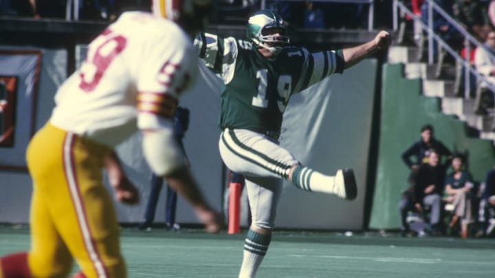Iconic NFL Kicker Tom Dempsey Has Reportedly Recovered After Testing Positive for Coronavirus