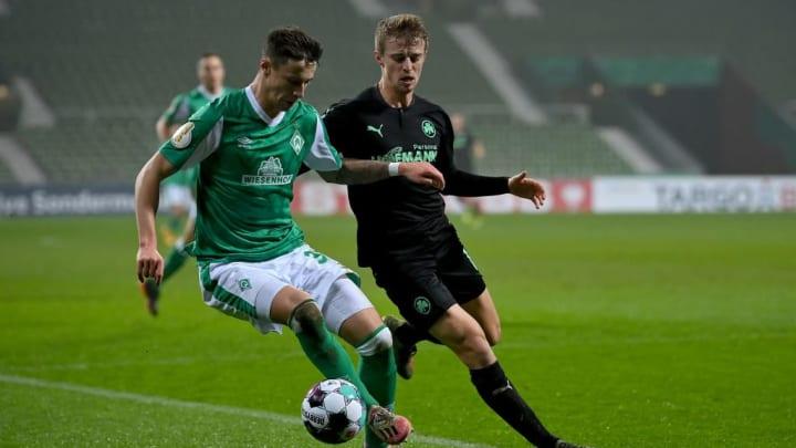 Hat am letzten Spieltag einen Schlag auf das Sprunggelenk bekommen: Marco Friedl (l.)
