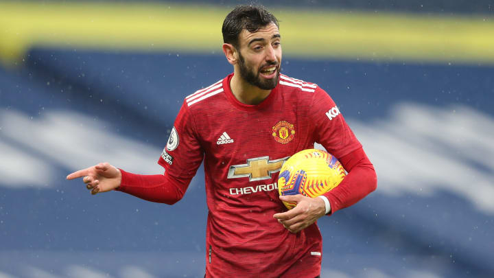 Manchester United want to offer Bruno Fernandes a substantial pay rise