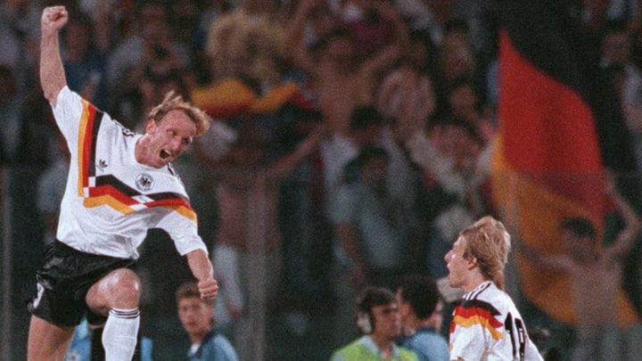 Andreas Brehme bejubelt das Siegtor im WM-Finale 1990