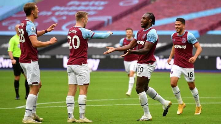 Michail Antonio celebrates with West Ham teammates