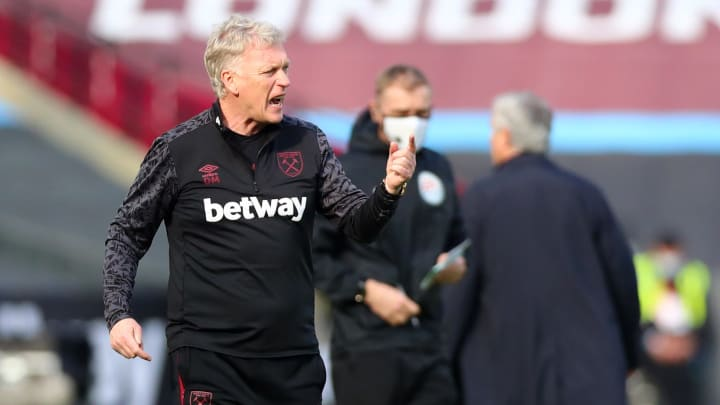 Moyes insists he's going nowhere