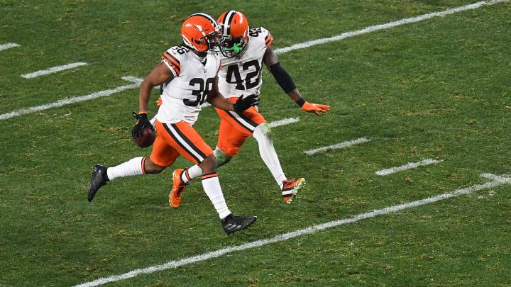 Los Browns fueron una máquina de anotar puntos en la primera mitad del juego ante los Steelers
