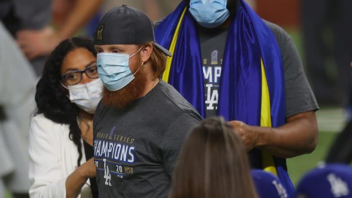 Justin Turner regresó al terreno con coronavirus