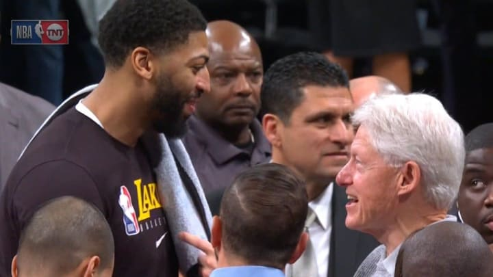 Anthony Davis and Bill Clinton at Lakers - Nets.