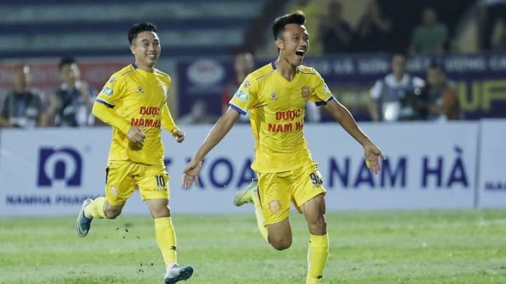 Tài năng trẻ của Nam Định ghi điểm với HLV Park Hang-seo