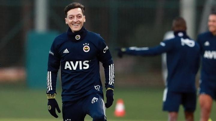 Fenerbahçe formalizes Mesut Ozil.