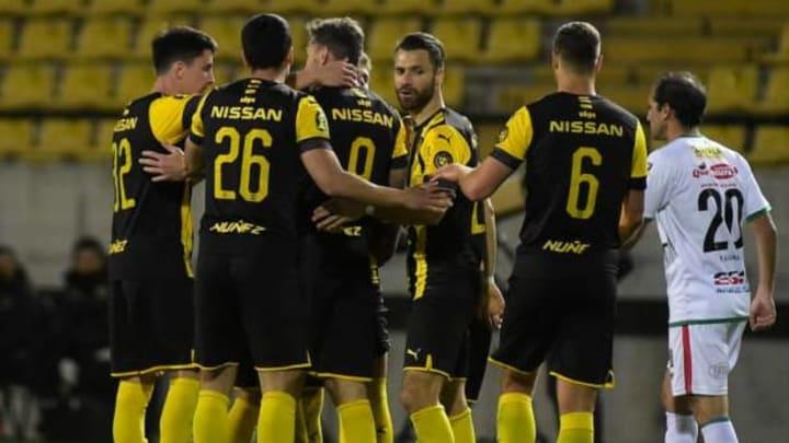 Jugadores de Peñarol en el Estadio Campeón del Siglo