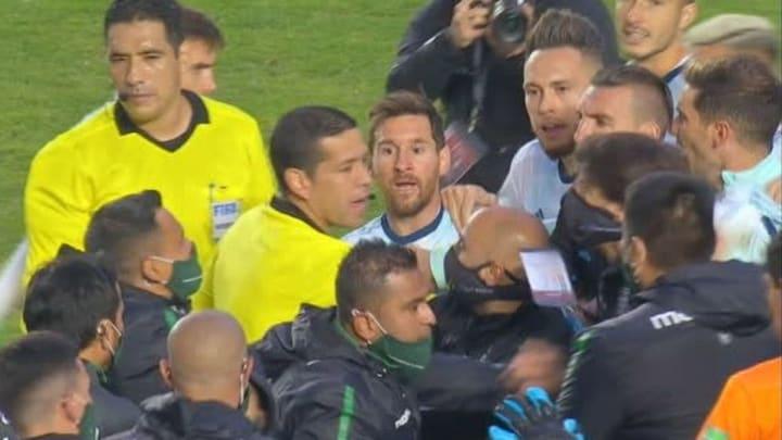 Messi en los tumultos en La Paz