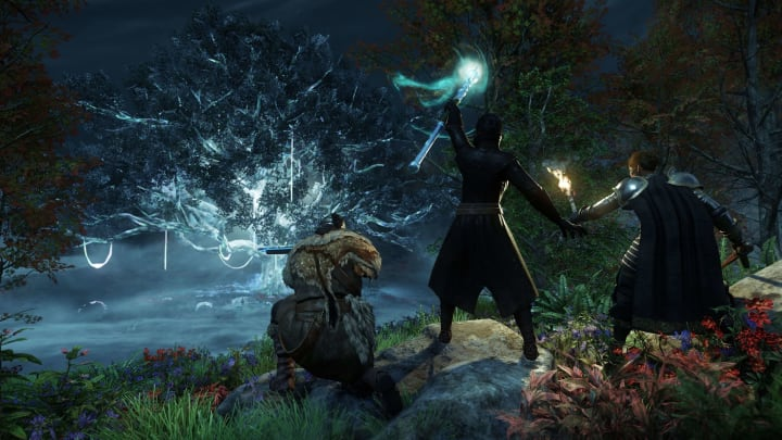 Due to lengthy server queues for the latest MMO to hit the market, New World, Amazon Games has offered players a free server transfer.