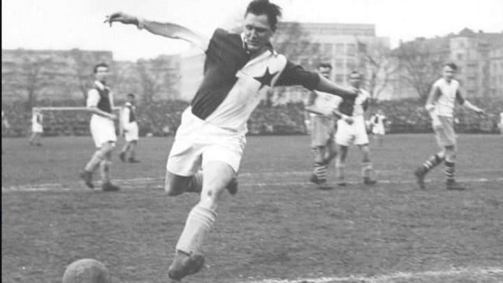 Josef Bican is the GOAT of goalscoring