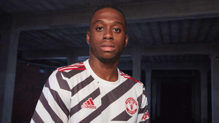 Aaron Wan-Bissaka wear new 2020/21 Man Utd third shirt