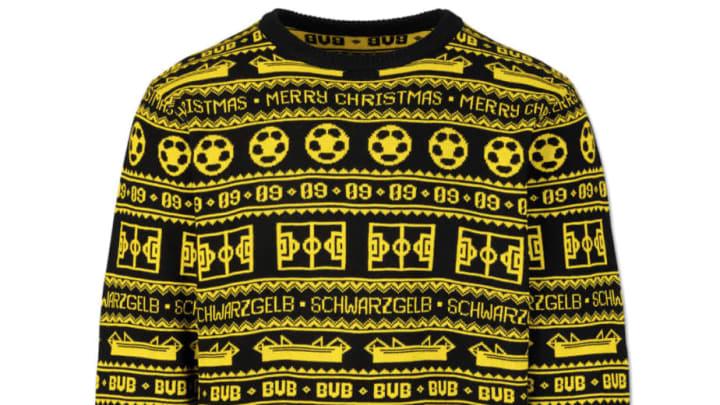 Zur Weihnachtszeit ließen sich einige Klubs kuriose Kleidungsstücke einfallen