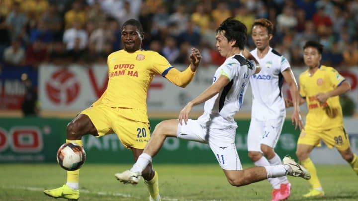 HAGL bất lực trong việc ghi bàn vào lưới Nam Định