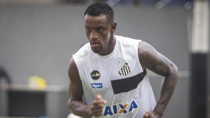 Zagueiro tem contrato até janeiro de 2022
