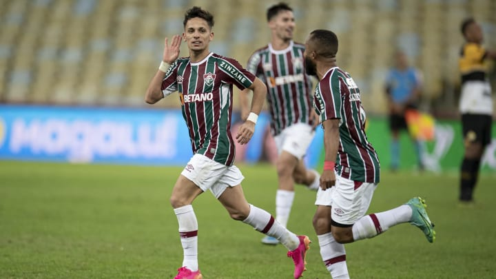 Fluminense venceu o Criciúma por 3 a 0 no Maracanã