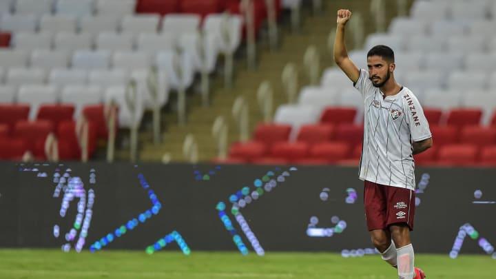 Julião anotou o gol da vitória do Fluminense sobre o rival Flamengo