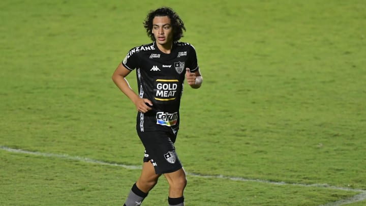 Elogiado por Renato, Matheus Nascimento conseguiu se destacar no lanterna Botafogo.