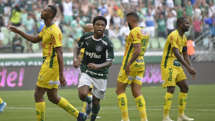 Palmeiras e Mirassol se enfrentam pelo Paulistão. O Alviverde está fora da zona de classificação e precisa vencer nas próximas rodadas do Estadual.