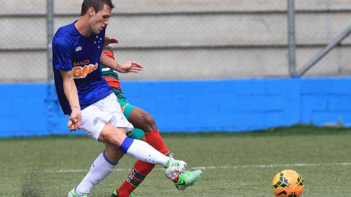 Bonatini marca pelo sub-20 do Cruzeiro.