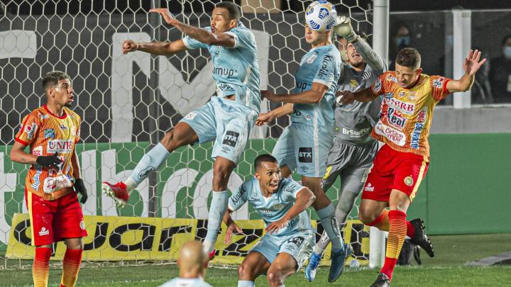 Peixe ganhou por 4 a 0 na Vila Belmiro
