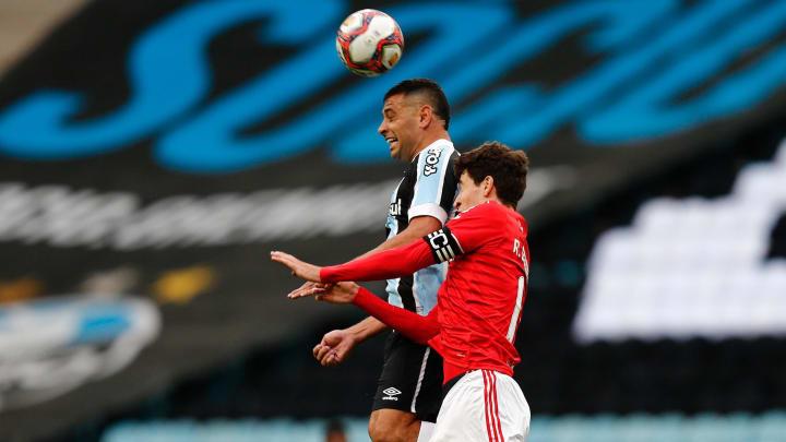 Diego Souza e Rodrigo Dourado precisam mostrar mais no clássico