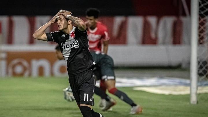Time carioca garantia a vitória até os acréscimos, mas levou um gol
