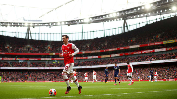 Mesut Özil hat bald freie Schuhwahl