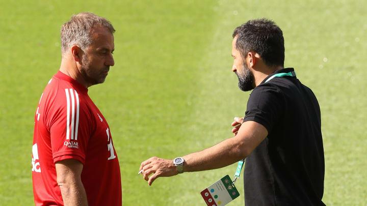 Hansi Flick und Hasan Salihamidzic diskutieren