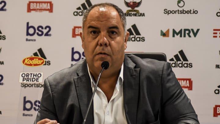 """Com Marcos Braz e Bruno Spindel na Europa, Flamengo vê """"portas abertas"""" para contratar meio-campista que atua na Espanha."""