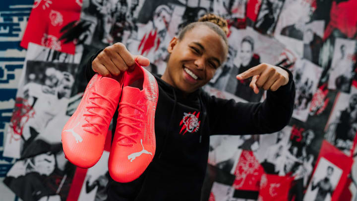 Nikita Parris with the new PUMA boots