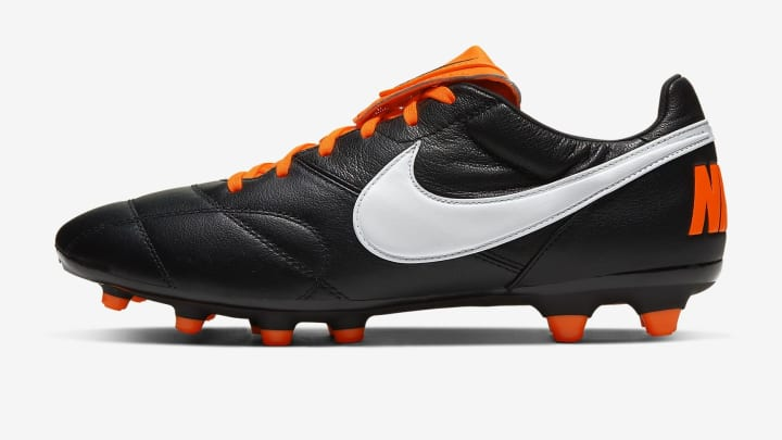 These Nike Premier II FGs are just £53.97 for this weekend.