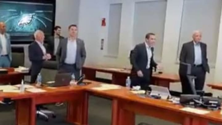 Howie Roseman and Tom Donahoe have a tense exchange in the Eagles War Room