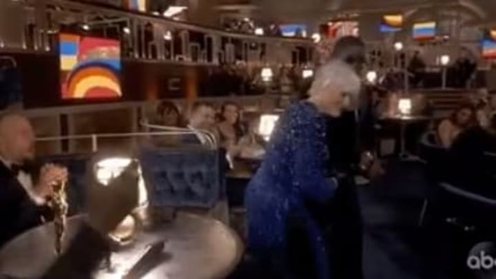 """Glenn Close doing """"Da Butt"""" at the Oscars"""