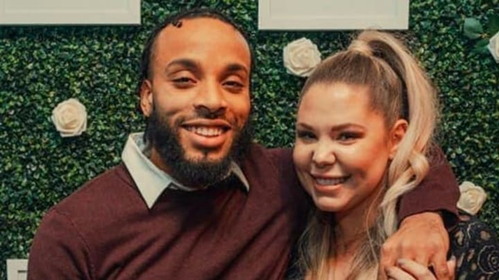 Kailyn Lowry accuses Chris Lopez of choking her while they're on Instagram Live.