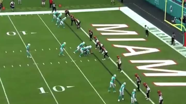 Dolphins trick play.