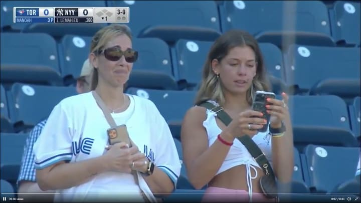 Alek Manoah's mother cries as he makes his major league debut against the New York Yankees.