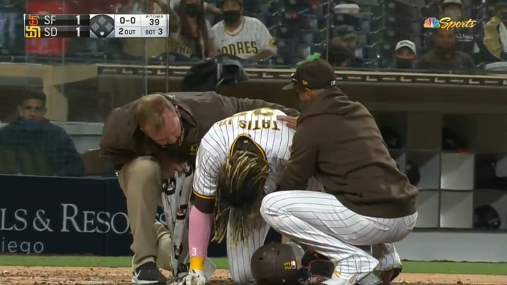 Fernando Tatis Jr. in pain after suffering an injury