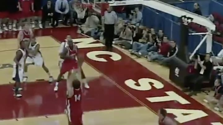 Davidson's Stephen Curry knocks down a three-pointer against Gonzaga in the 2008 NCAA Tournament