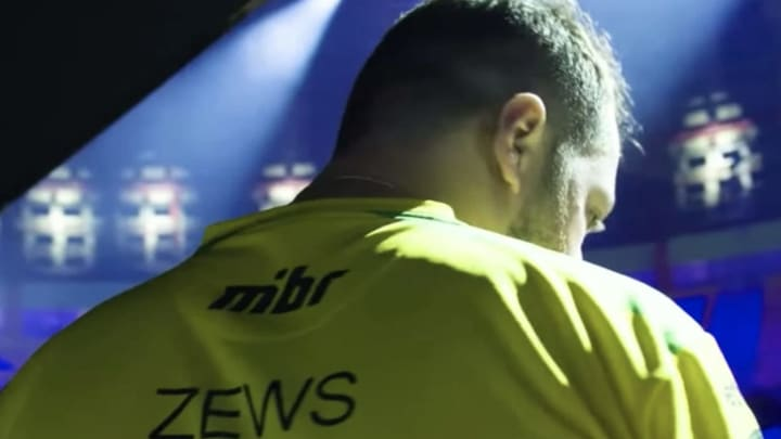 "Evil Geniuses are in discussions to sign Wilton ""zews"" Prado as coach, according to sources close to the coach."