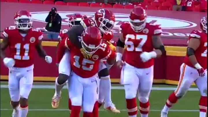 Patrick Mahomes carried Tyreek Hill on his back.