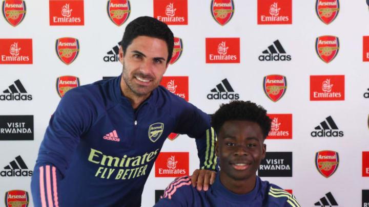 Arsenal vừa gia hạn xong với sao trẻ hay nhất hiện tại là Bukayo Saka